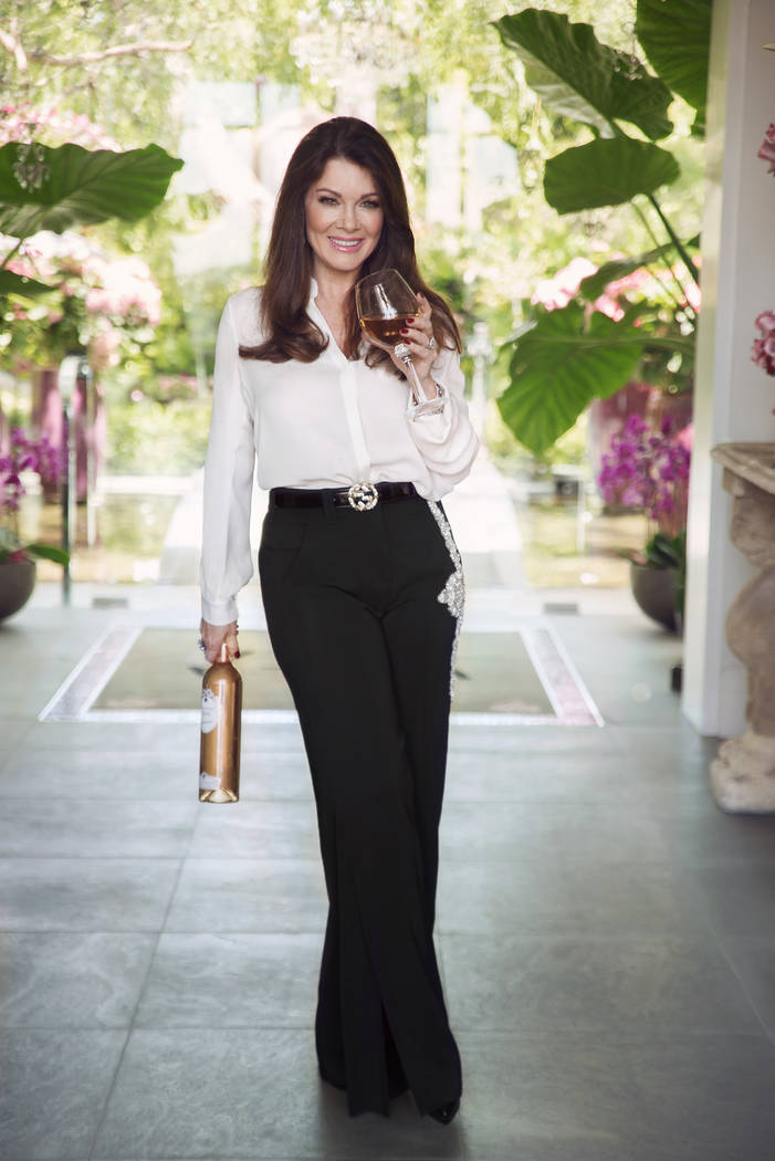 Reality TV star Lisa Vanderpump has announced plans to open a cocktail lounge at Caesars Palac