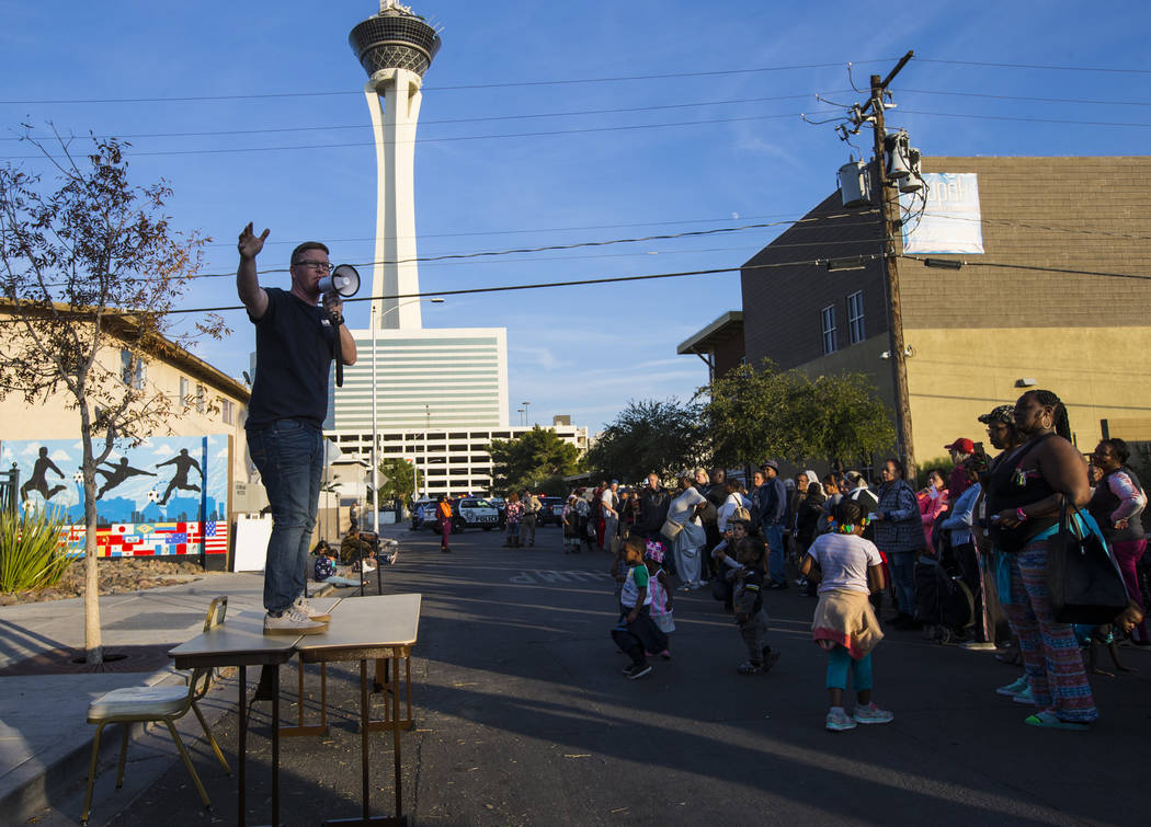 Pat Walter, executive director of Casa de Luz, speaks during an annual Thanksgiving outreach event hosted by Casa de Luz and the Las Vegas Metropolitan Police Department's Downtown Area Command at ...