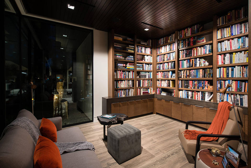 The library is a tribute to the original house. (Studio g Architecture)