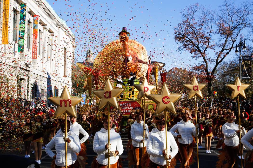 balloons fly  macys thanksgiving day parade  cold wind las vegas review journal