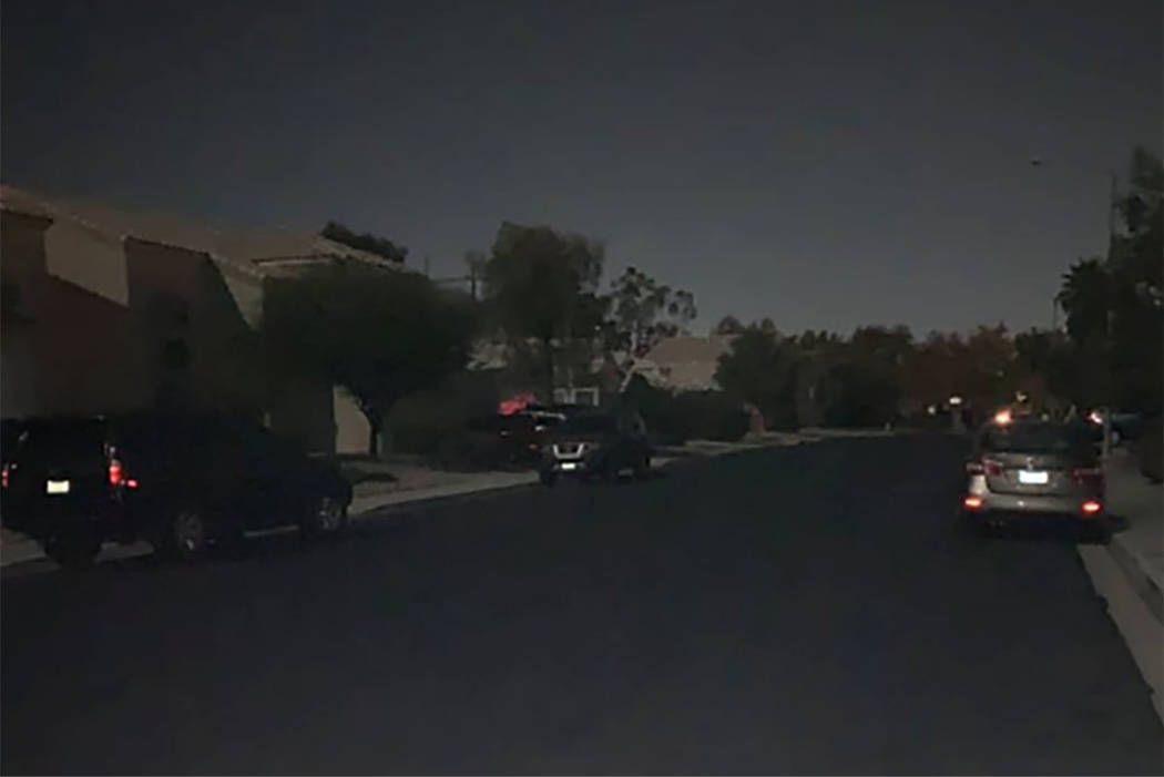 A street without power is seen in a Green Valley Ranch neighborhood in Henderson on Nov. 22, 2018. (Mick Akers/Las Vegas Review-Journal)