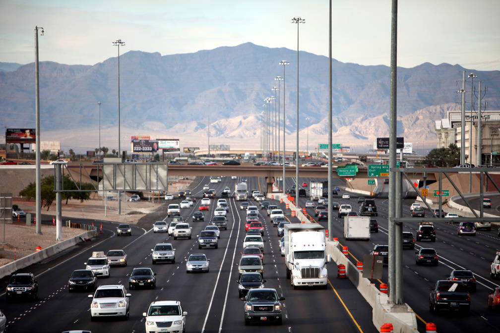 Traffic travels along Interstate 15 in the southbound lanes in Las Vegas in 2011. (Las Vegas Review-Journal)