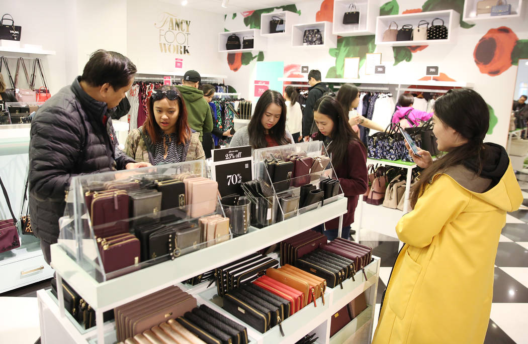 Black Friday sale shoppers shop at Kate Spade New York bag store at the North Premium Outlet on Friday, Nov. 23, 2018. Bizuayehu Tesfaye Las Vegas Review-Journal @bizutesfaye