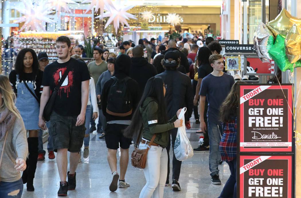 Black Friday sale shoppers arrive at the Galleria at Sunset mall on Friday, Nov. 23, 2018. Bizuayehu Tesfaye Las Vegas Review-Journal @bizutesfaye