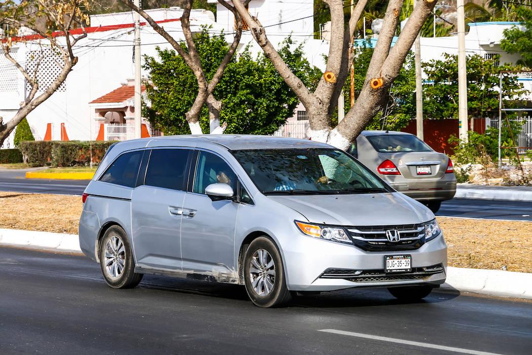 Recalls Honda Com >> Honda Recalls 122k Minivans Because Doors Can Open Unexpectedly
