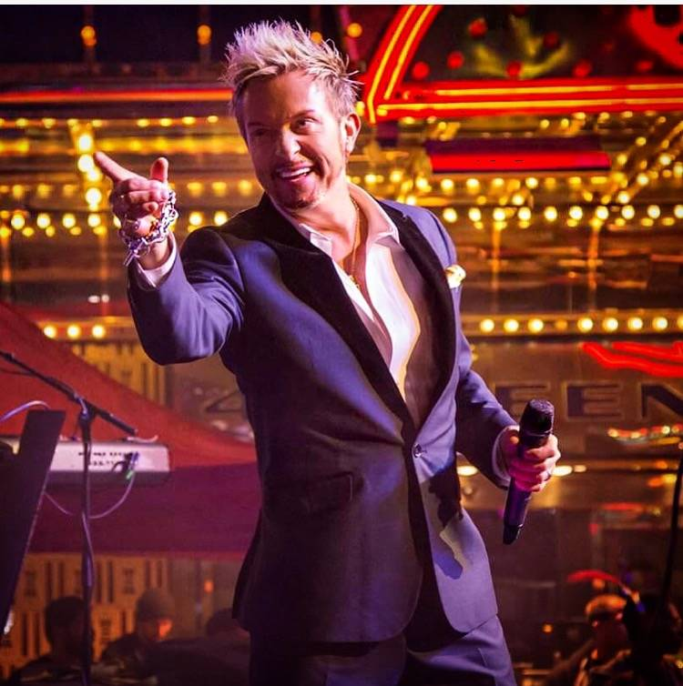 Chris Phillips of Zowie Bowie performing in Las Vegas. Courtesy of Chris Phillips