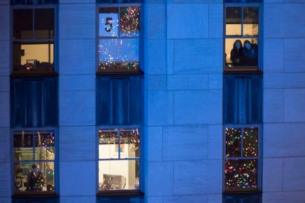 Rockefeller Center Christmas tree lights up New York City | Las