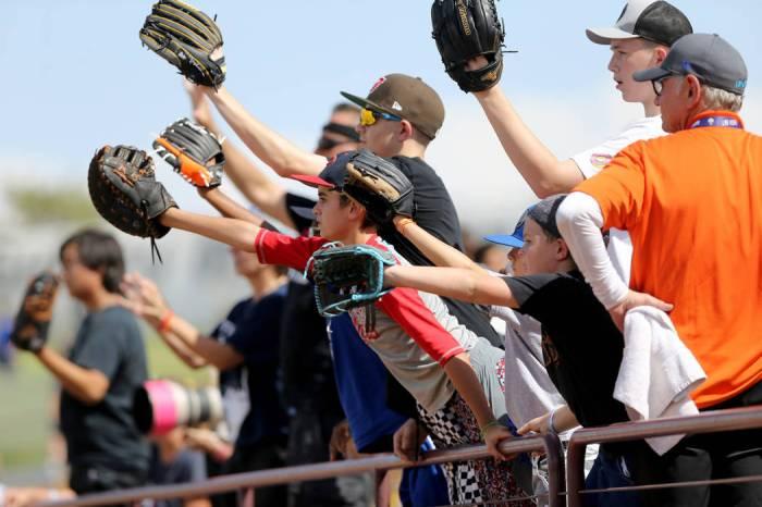 715c7e701fe Investors working to bring Major League Baseball to Las Vegas