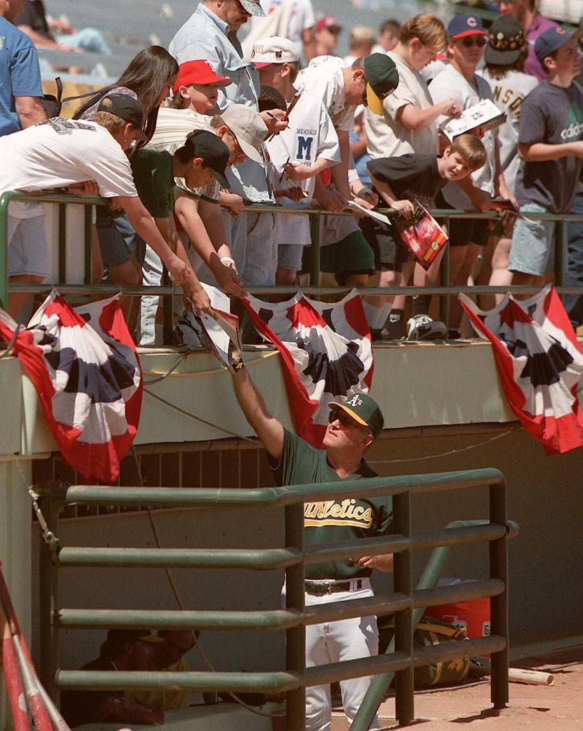 Fans ask for Oakland As autographs at Cashman Field in Las Vegas on April 6, 1996. (Review-Journal File)