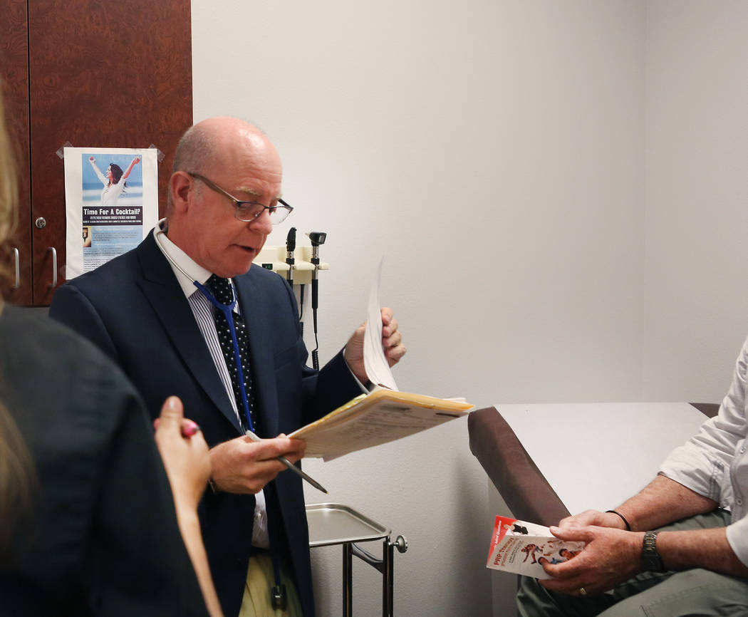 Internist Dr. Ivan Goldsmith works with a patient at his Las Vegas office,Thursday, May 31, 2017. (Elizabeth Brumley/Las Vegas Review-Journal)