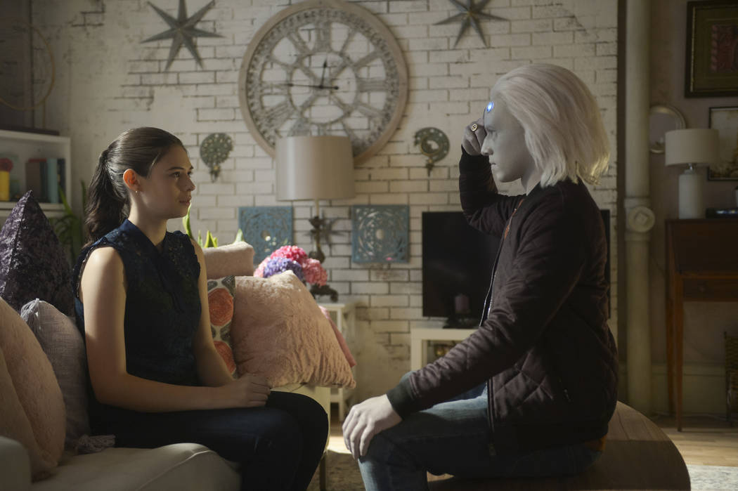 """Supergirl -- """"Bunker Hill"""" -- Image Number: SPG408a_0322b.jpg -- Pictured (L-R): Nicole Maines as Nia Nal and Jesse Rath as Brainiac-5 -- Photo: Sergei Bachlakov/The CW -- © 2018 The CW Network, ..."""