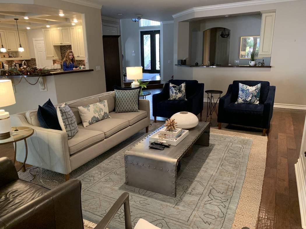 The online design site SwatchPop! helped Las Vegas resident Carolyn McLaurin update her family room. (Carolyn McLaurin)