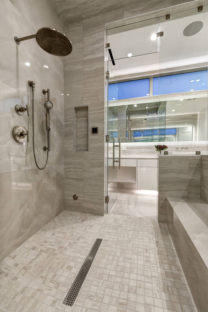 The shower in the master bath. (Richard Luke Architects)