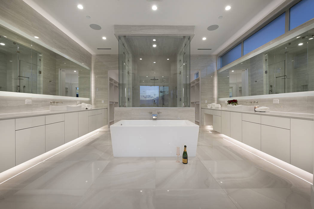 The master bath. (Richard Luke Architects)