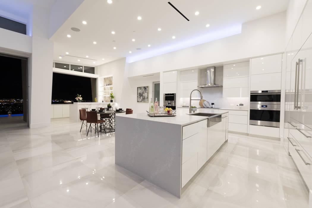 The kitchen has all the latest appliances. (Richard Luke Architects)