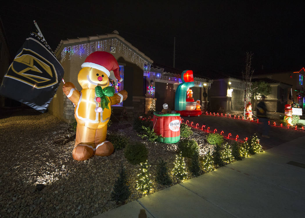 Christmas Lights To Music.Henderson Christmas Display Has Golden Knights Music Video
