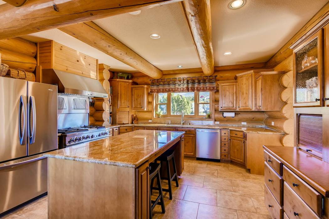 The kitchen uses water from a community well. (Mt. Charleston Realty)