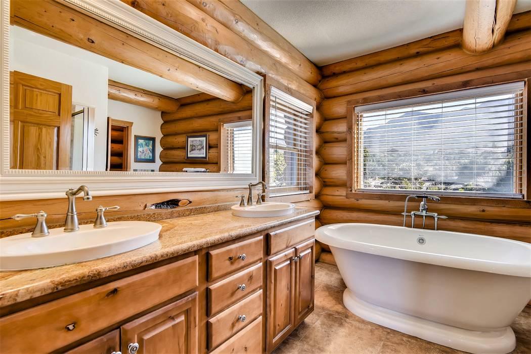 The master bath. (Mt. Charleston Realty)