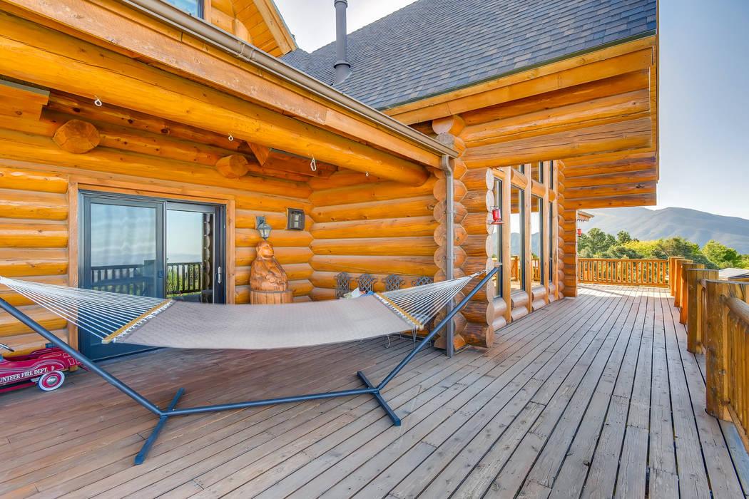 The deck. (Mt. Charleston Realty)