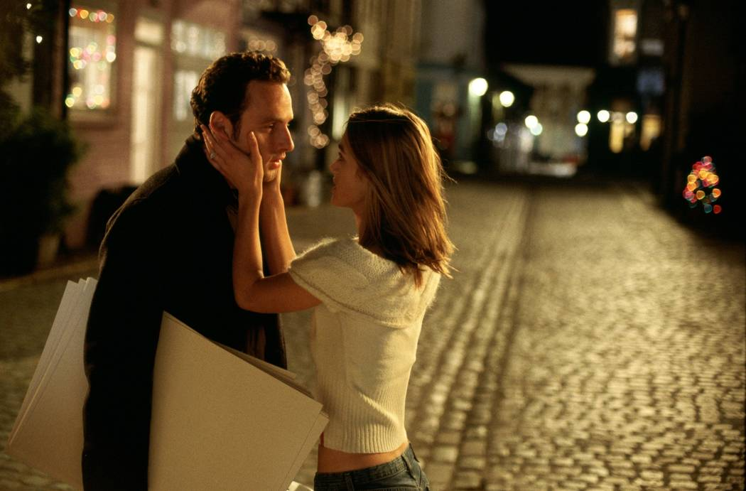 Mark (ANDREW LINCOLN) makes a Christmas Eve confession to Juliet (KEIRA KNIGHTLEY) in Richard Curtis' romantic comedy Love Actually. Photo Credit: Peter Mountain ©2003 Universal Studios. All Ri ...