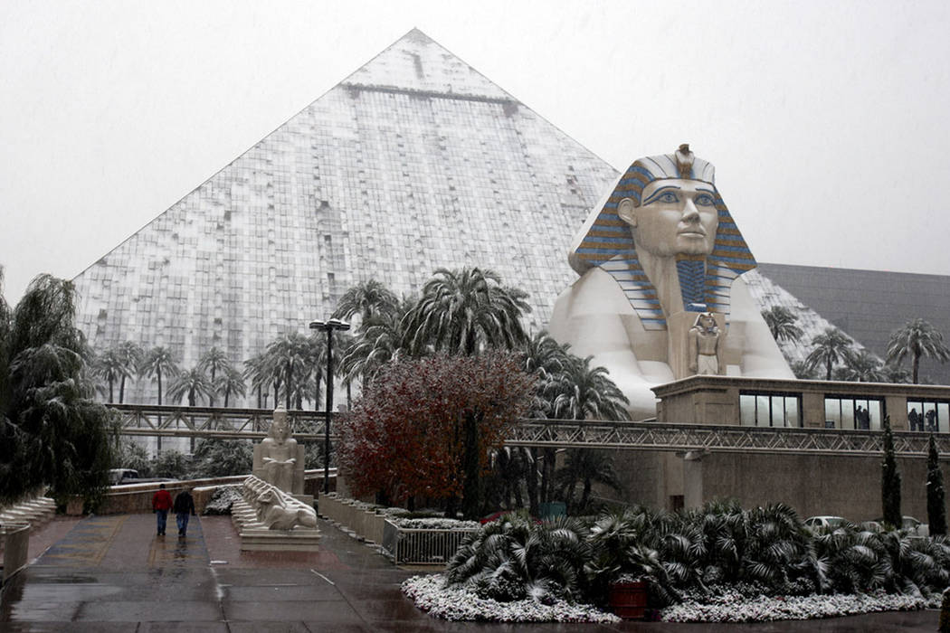The Luxor is covered with snow on the Las Vegas Strip on Wednesday, Dec. 17, 2008. (Las Vegas Review-Journal)