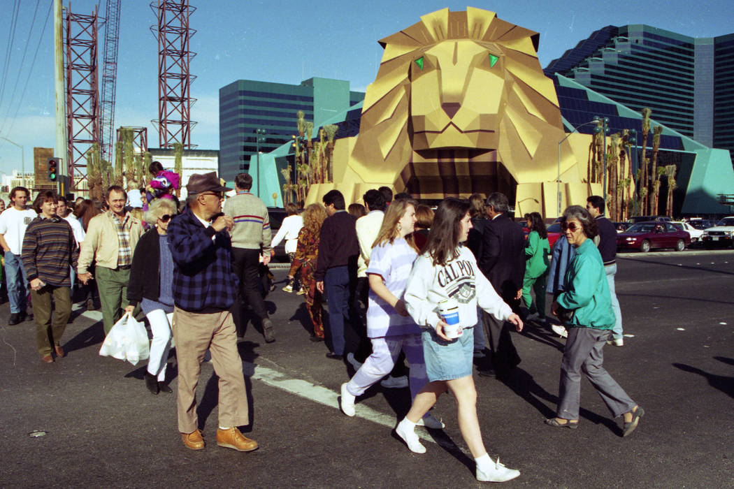 Pedestrians walk along Las Vegas Boulevard outside MGM Grand in December 1993. (Las Vegas Review-Journal file)