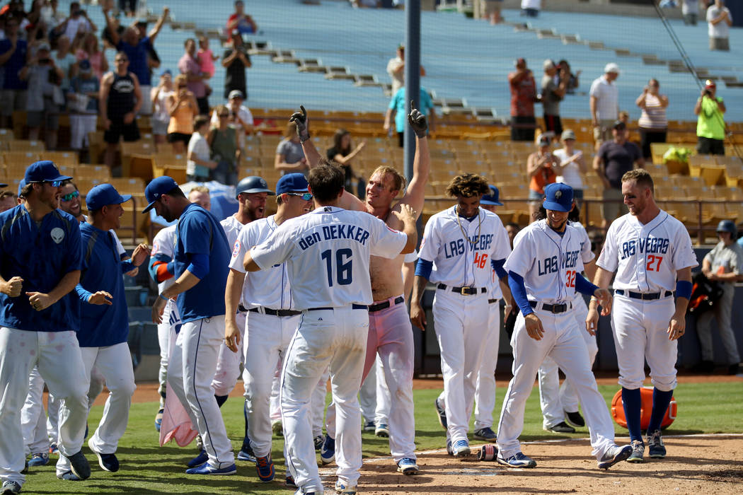 Peter Alonso salutes the crowd after his walk-off two-run home run during the final 51s game ever at Cashman Field in Las Vegas Monday, Sept. 3, 2018. Las Vegas beat Sacramento 4-3. The team will ...
