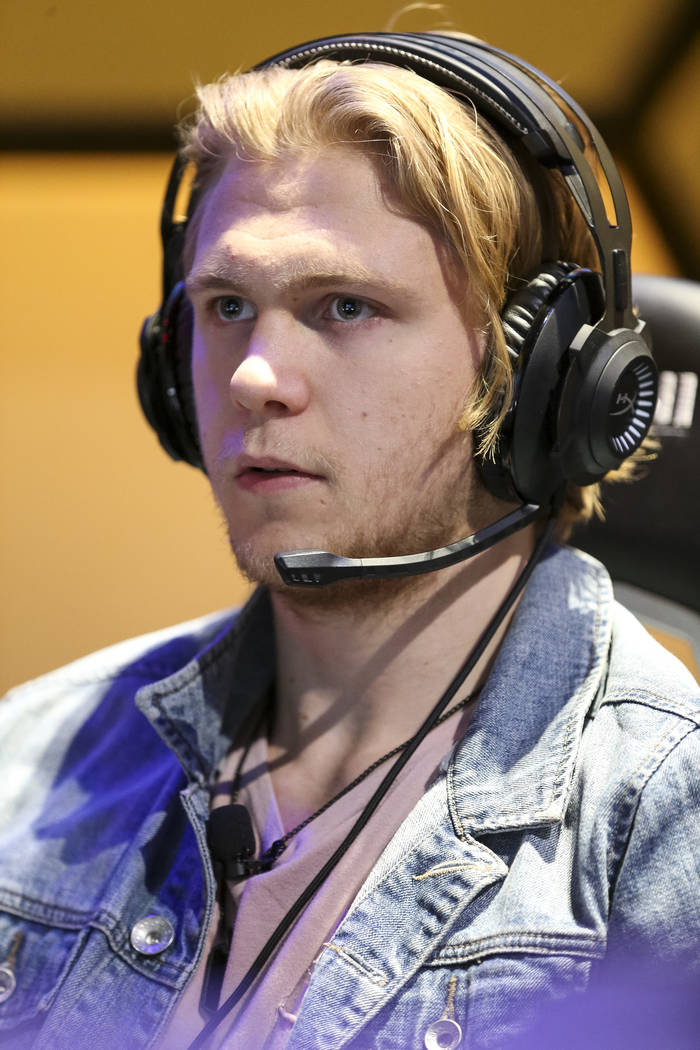 "Vegas Golden Knights center William Karlsson plays ""Fortnite"" with fans at the HyperX Esports Arena inside the Luxor in Las Vegas on Tuesday, Dec. 18, 2018. Richard Brian Las Vegas Revie ..."
