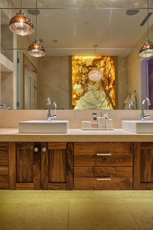 The master bath in Penthouse 4702. (Award Realty)