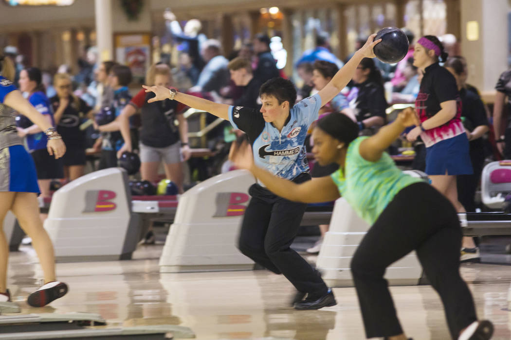 Professional bowler Shannon Pluhowsky, of Dayton, Ohio, bowls during a practice day ahead of the United States Bowling Congress Team USA trials at Gold Coast in Las Vegas on Wednesday, Jan. 2, 201 ...