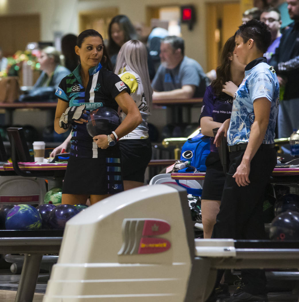 Professional bowlers Shannon O'Keefe, of Shiloh, Ill., left, and Shannon Pluhowsky, of Dayton, Ohio, talk during a practice day ahead of the United States Bowling Congress Team USA trials at Gold ...