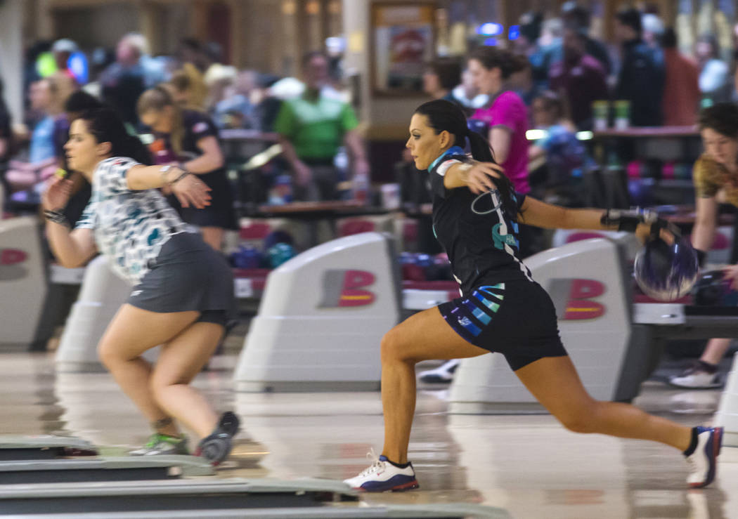 Professional bowler Shannon O'Keefe, of Shiloh, Ill., bowls during a practice day ahead of the United States Bowling Congress Team USA trials at Gold Coast in Las Vegas on Wednesday, Jan. 2, 2019. ...