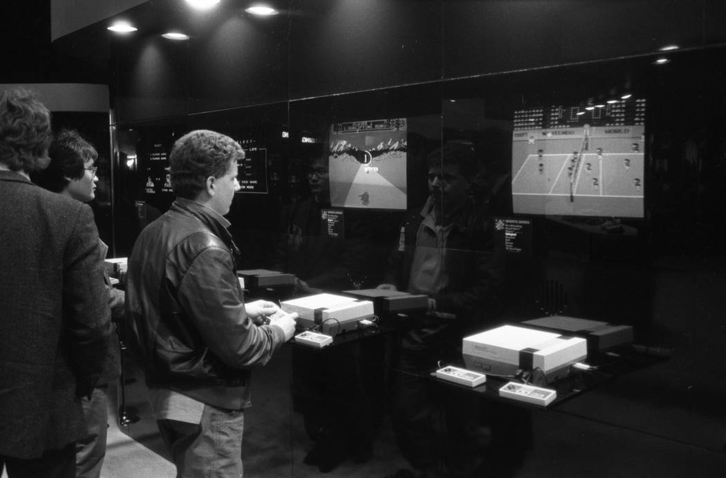 People line up to demo new games for Nintendo's NES console at the 1987 CES show at the Las Vegas Convention Center. (Jim Laurie/Las Vegas Review-Journal)