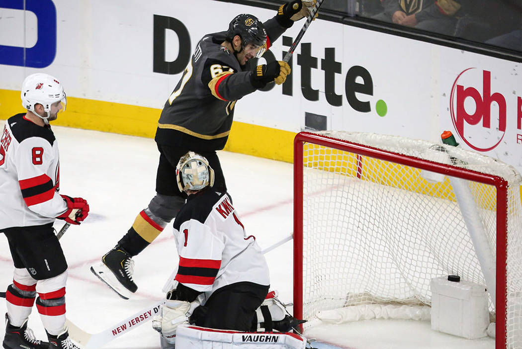 quality design 5061a a161c Golden Knights rally to beat Devils for 6th straight win ...