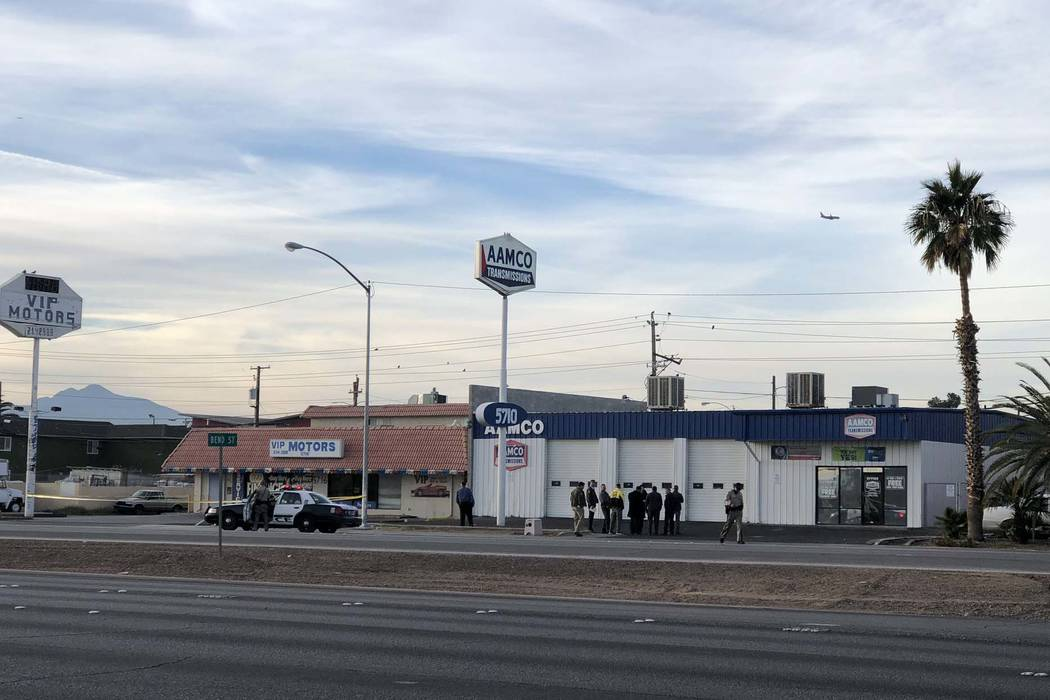 Las Vegas police investigate a fatal shooting in the 5700 block of Boulder Highway, near Tropicana Avenue, on Tuesday, Jan. 8, 2019. (Rio Lacanlale/Las Vegas Review-Journal)