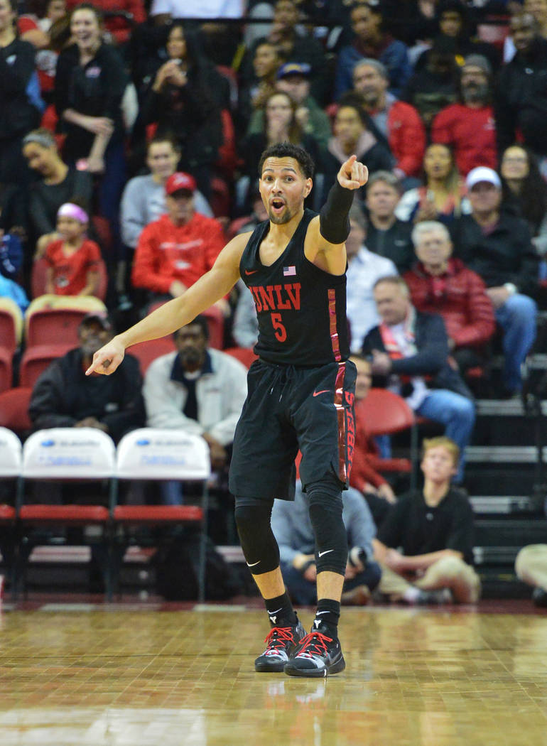UNLV Rebels guard Noah Robotham (5) calls out a defensive assignment during the first half of the UNLV Rebels and the New Mexico Lobos NCAA basketball game at the Thomas & Mack Center in Las V ...