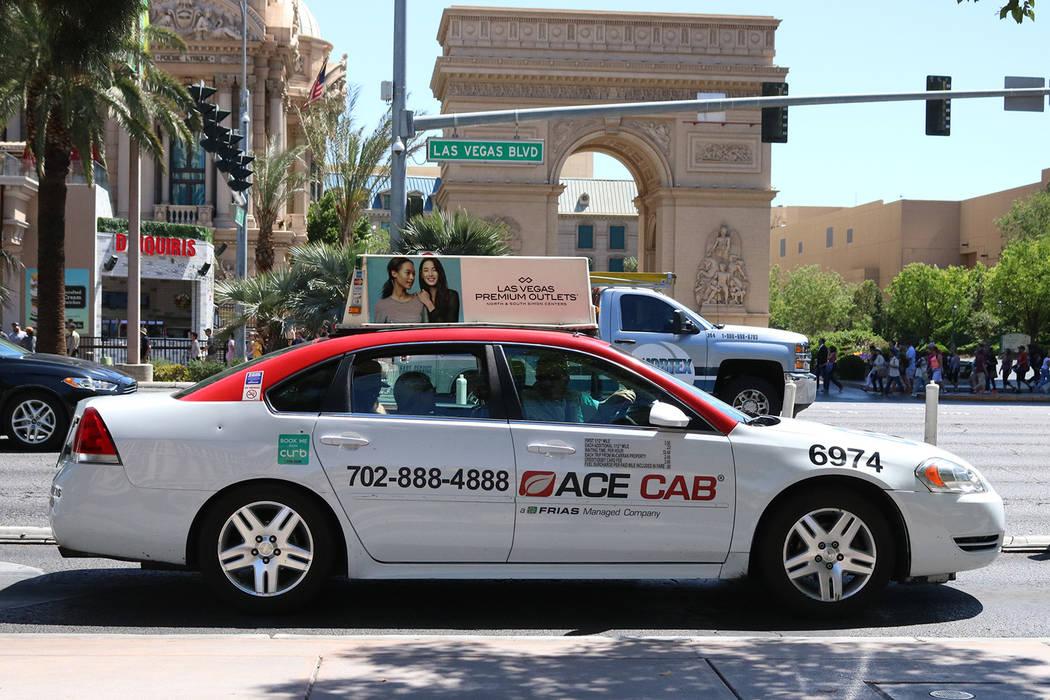 An Ace Cab driver turning into the drop off area at Bellagio hotel-casino in Las Vegas, Thursday, April 20, 2017. Gabriella Benavidez Las Vegas Review-Journal @gabbydeebee