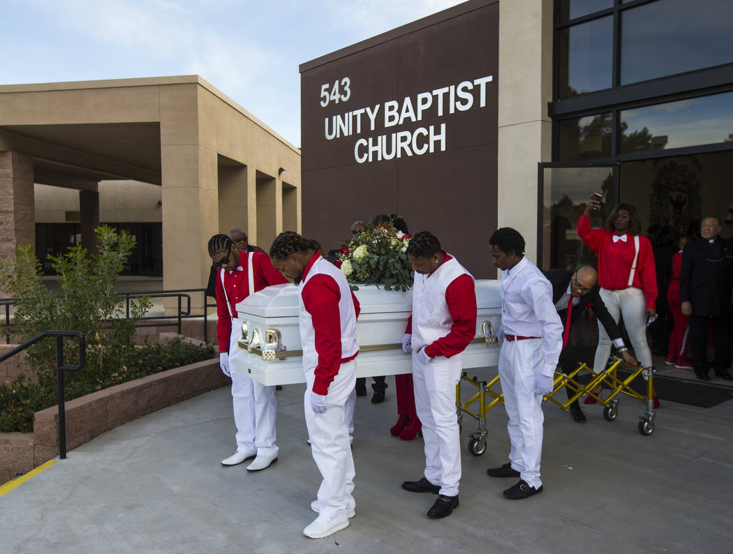 Christmas Eve Services Laughlin Nv 2021 Loved Ones Honor Life Of Las Vegas Man Fatally Shot Christmas Eve Las Vegas Review Journal