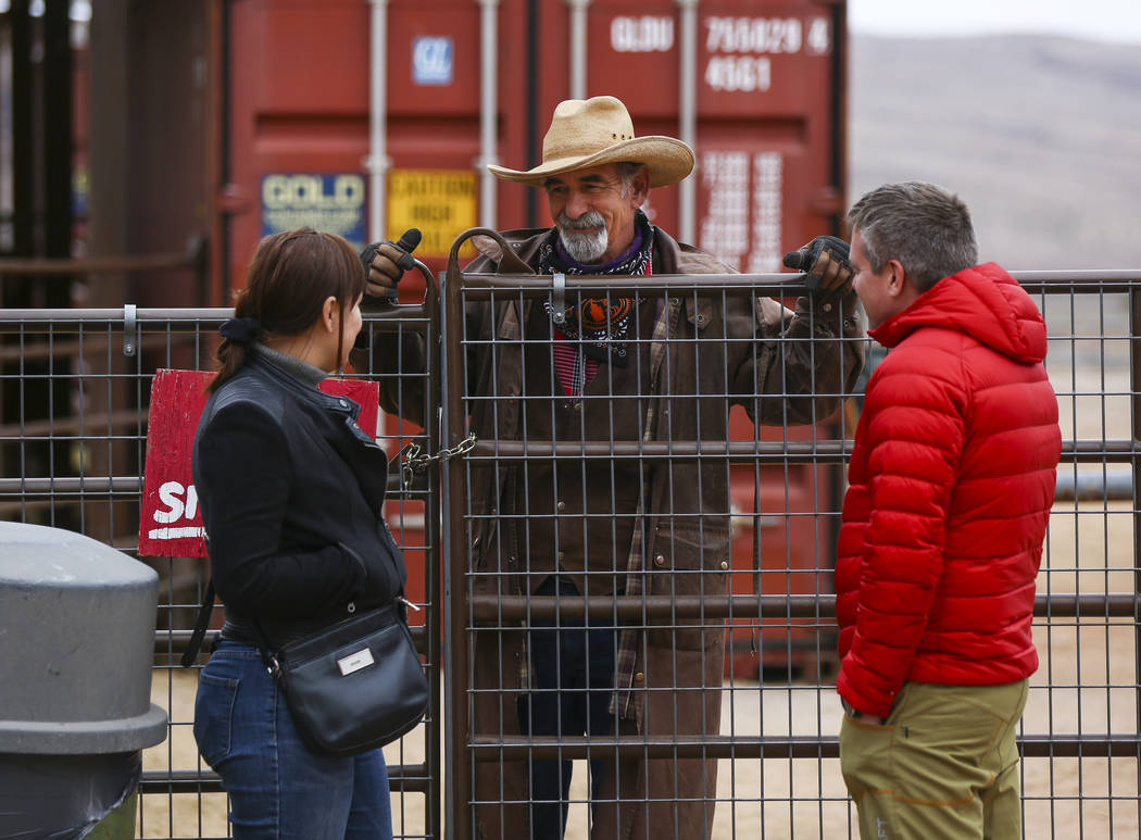 Ranch hand Steve Myers, center, who works at the Red Rock Riding Stables, talks with visitors at Bonnie Springs Ranch outside of Las Vegas on Saturday, Jan. 12, 2019. The ranch is under contract t ...