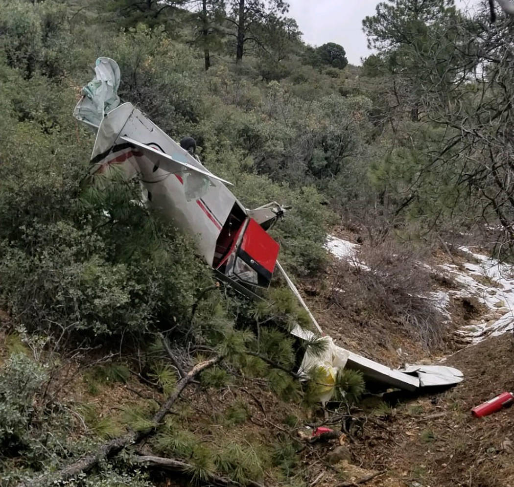 Scene of a plane crash (Mohave County Sheriff's Office)
