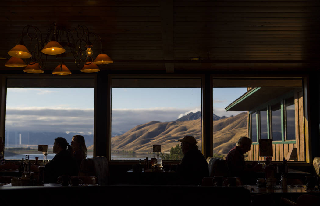 People dine at Topaz Lodge, overlooking Topaz Lake, in south Douglas County on Thursday, Oct. 11, 2018. Chase Stevens Las Vegas Review-Journal @csstevensphoto