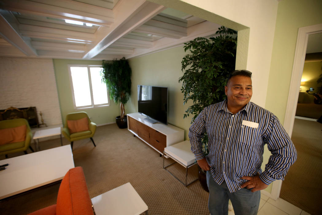 """Potential buyer Tony Redding of Las Vegas checks out the former home of Las Vegas mobster Tony """"The Ant"""" Spilotro at 4675 Balfour Drive in Las Vegas Monday, Jan. 14, 2019. The four-bedro ..."""