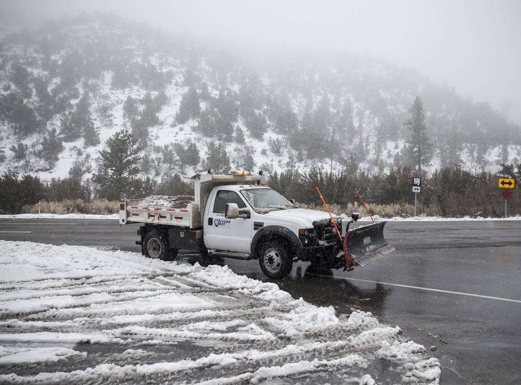 Snow plows work their way up Mount Charleston on Tuesday, Jan. 15, 2019, in Las Vegas. Benjamin Hager Las Vegas Review-Journal