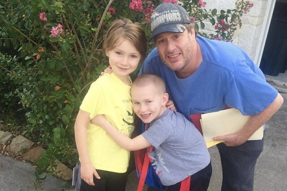 Poker player Gavin Smith seen with his two children, Kingston and Keegan, in an undated photo. Courtesy GoFundMe