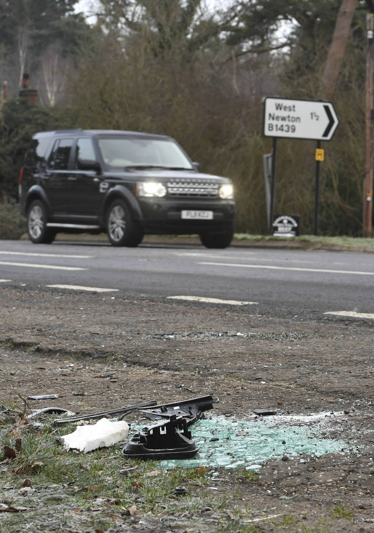 Prince Phillip 97 Crashes Land Rover Is Rescued Las
