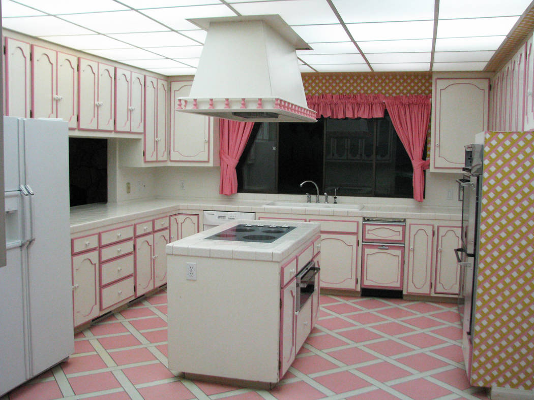 The kitchen in the underground house on Spencer Street. The home recently sold for $1.15 million. (F. Andrew Taylor/Las Vegas Review-Journal)