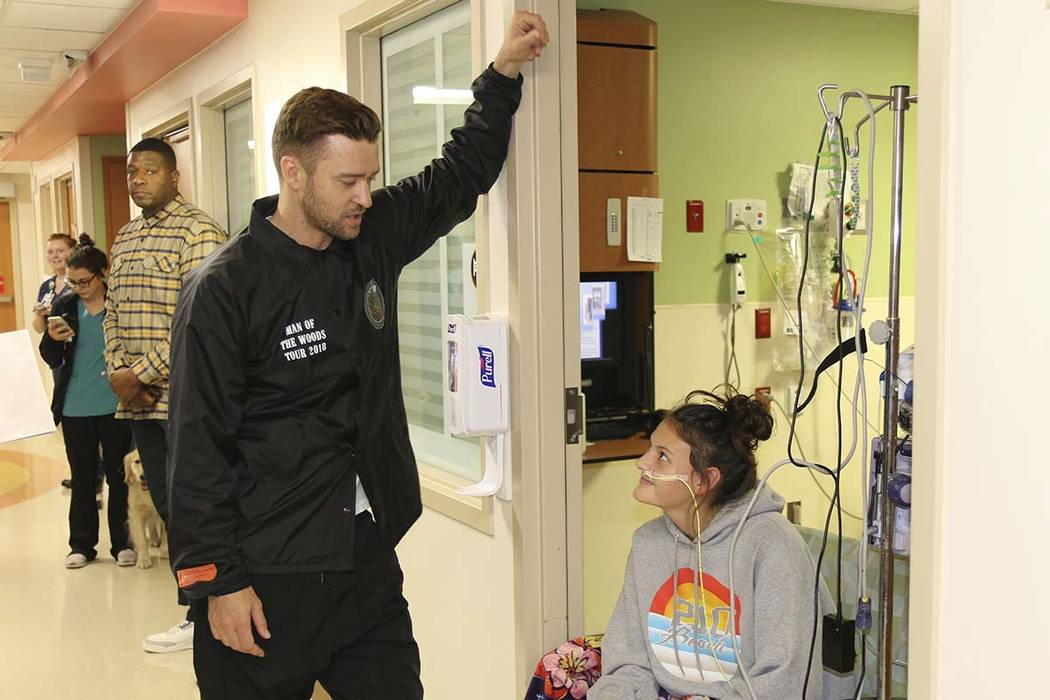 Justin Timberlake Visits Patients At Texas Children S