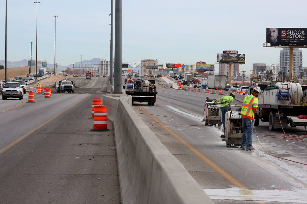 Traffic backs up in the southbound, left, and northbound lanes of Interstate 15, near Charleston Boulevard Exit in Las Vegas on Tuesday, March 13, 2018 during the Project Neon expansion, the $1 bi ...