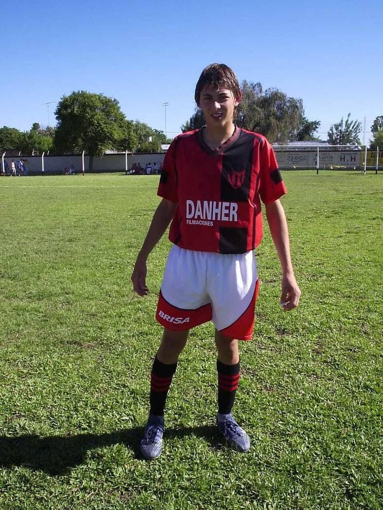 This 2005 photo courtesy of Diario El Littoral de Santa Fe shows Argentine soccer player Emiliano Sala at his Club Atletico Social San Martin in Progreso, Santa Fe, Argentina. A small passenger pl ...