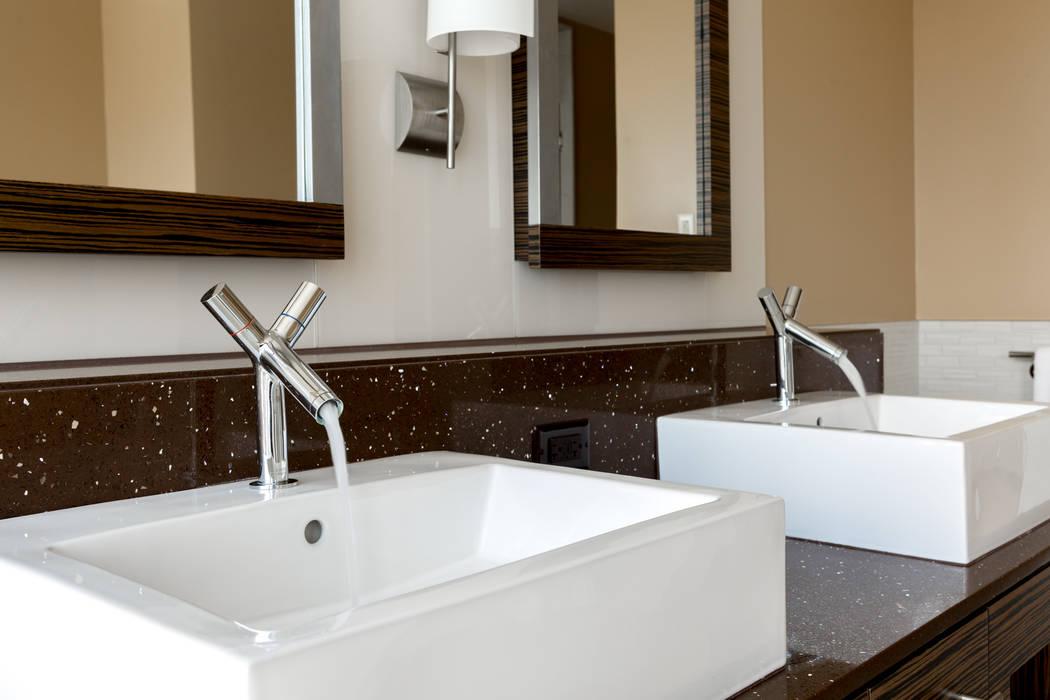 The kitchen in unit 3604 in Waldorf Astoria has all the modern touches. (Luxury Estates International)